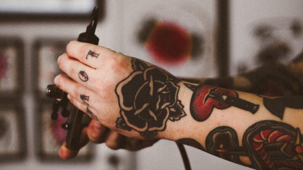 tatuajes, tatuajes para parejas, elegir el tatuaje, hacerse un tatuaje en pareja, demostrar el amor en un tatuaje