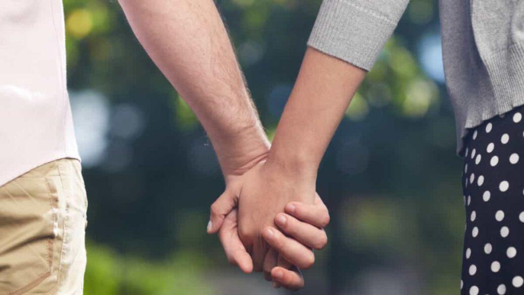 relación sentimental virtual, evitar que mi relacion virtual se convierta en pesadilla, como pasar de relacion virtual a relacion real, como hacer para vernos si estamos en distancia, cuando decidir convivir, quien debe desplazarse